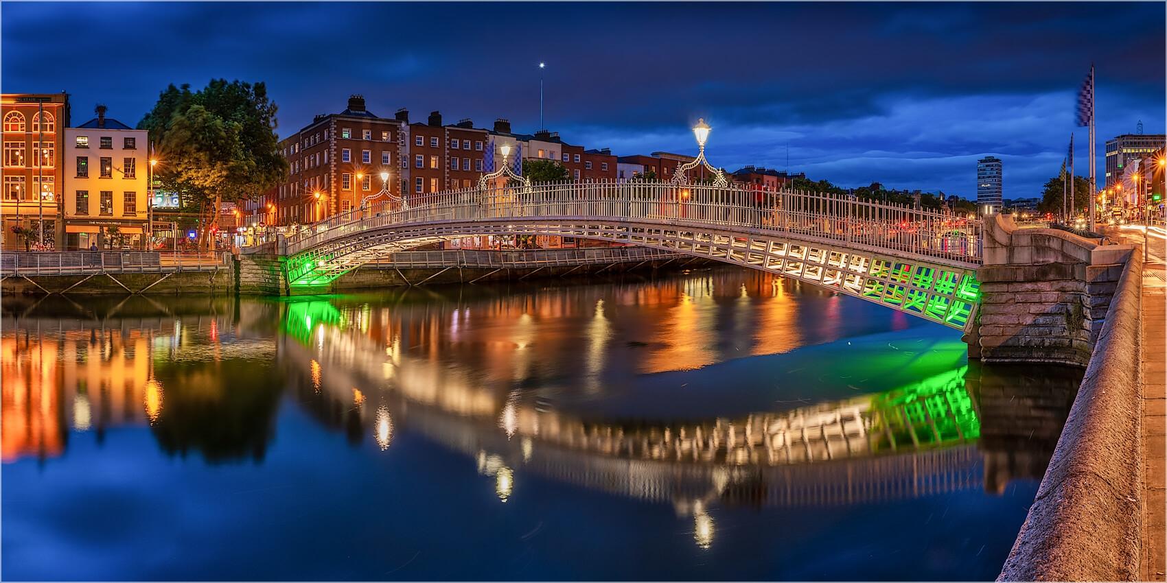 Panoramabild Ha`Penny Bridge Dublin Irland