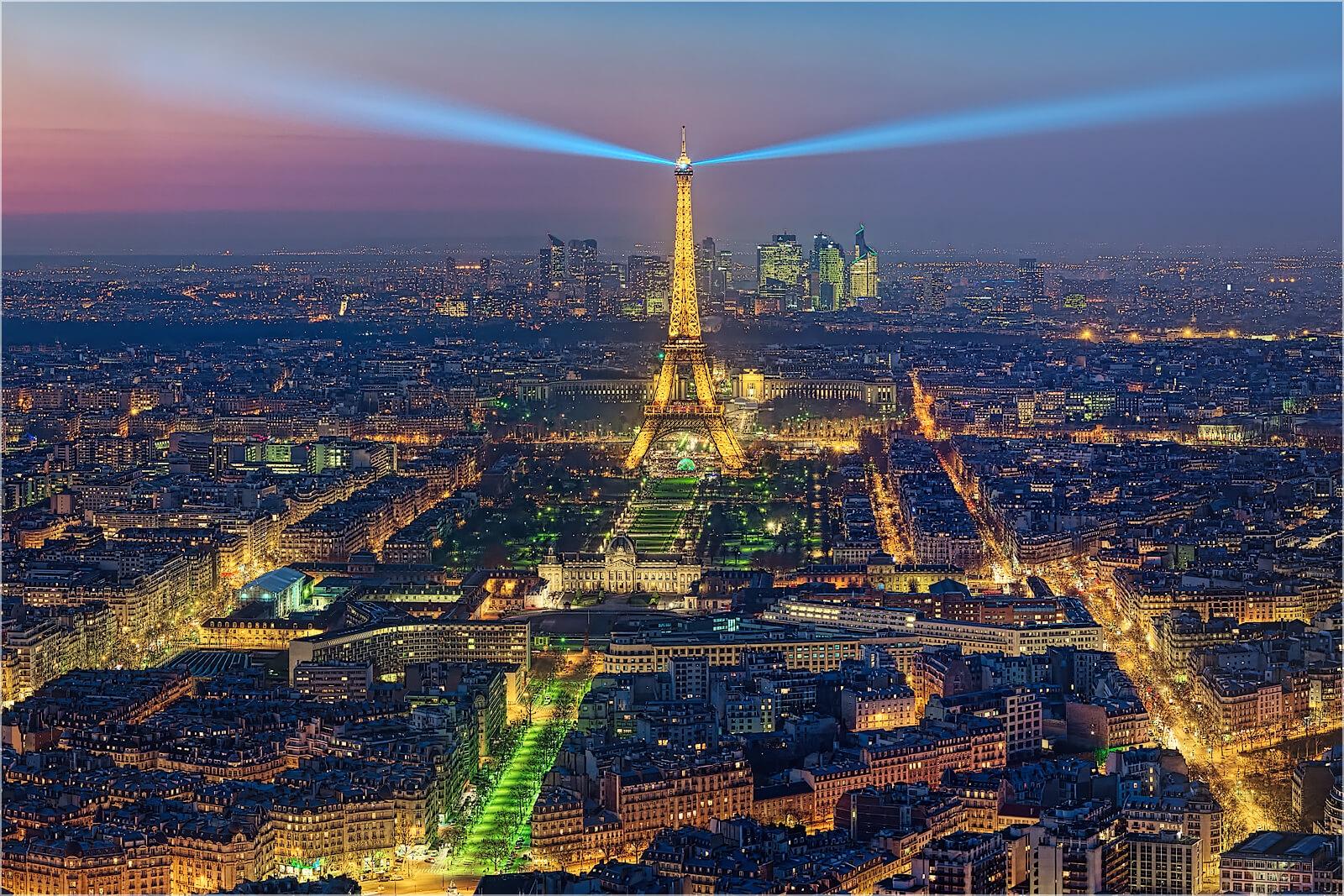 Wanddeko Paris am nächtlichen Eifelturm