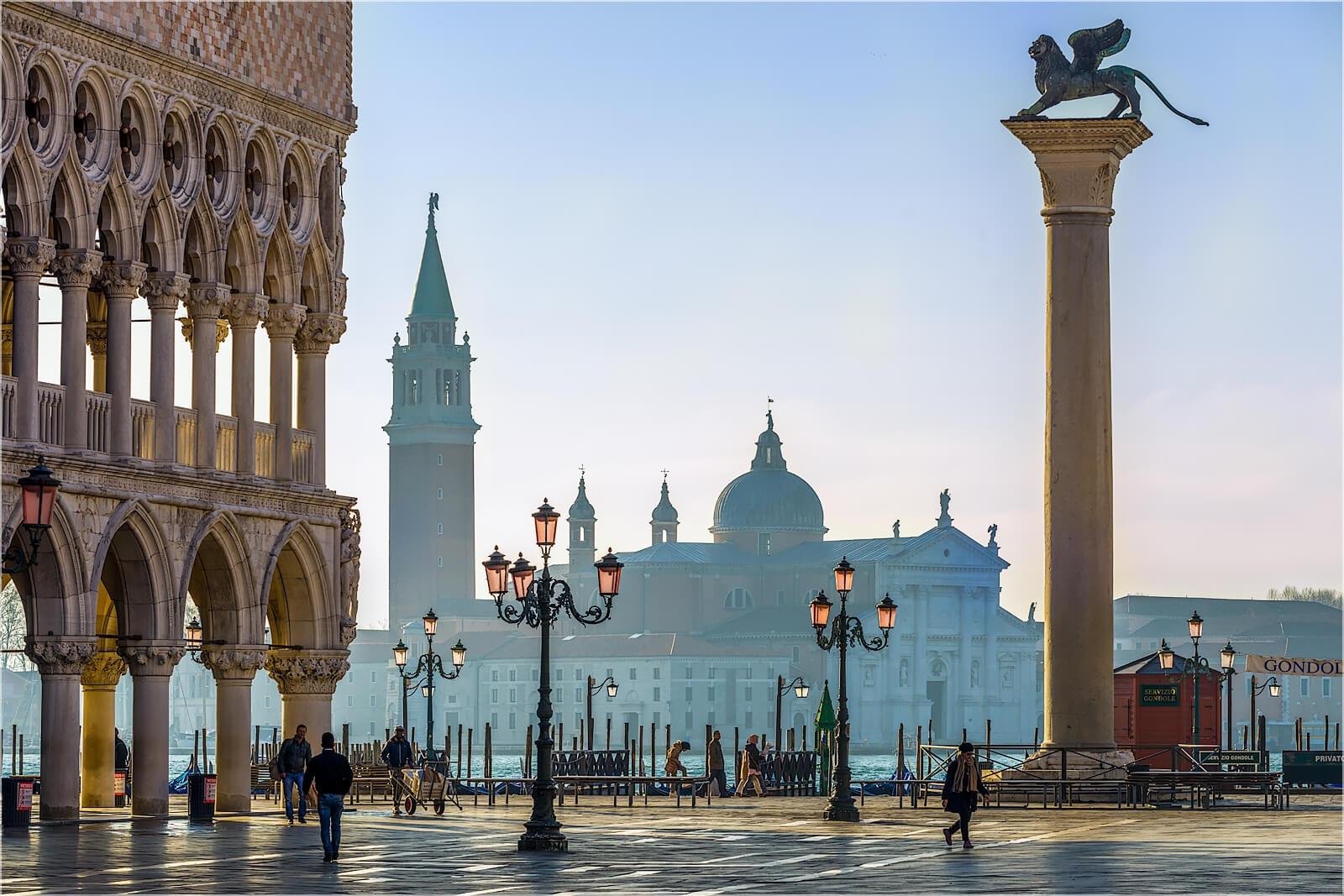 Wandbild Morgens in Venedig Italien