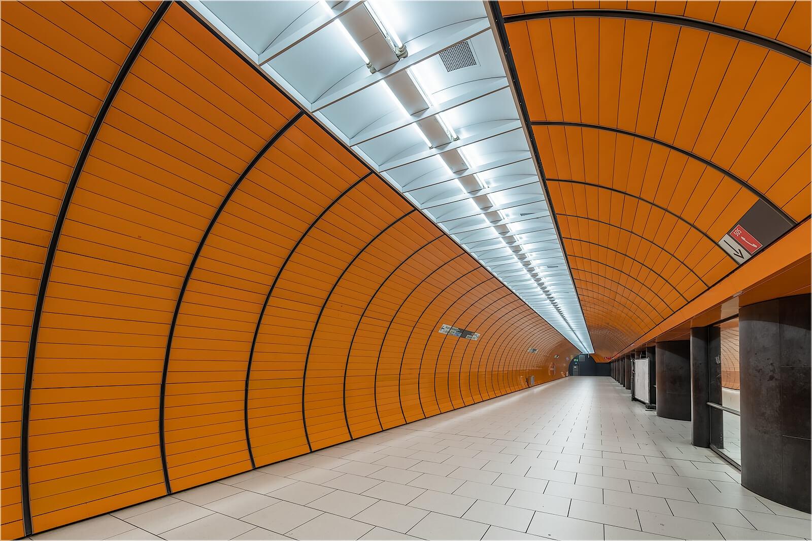 Wandbild Perspektive im Tunnel