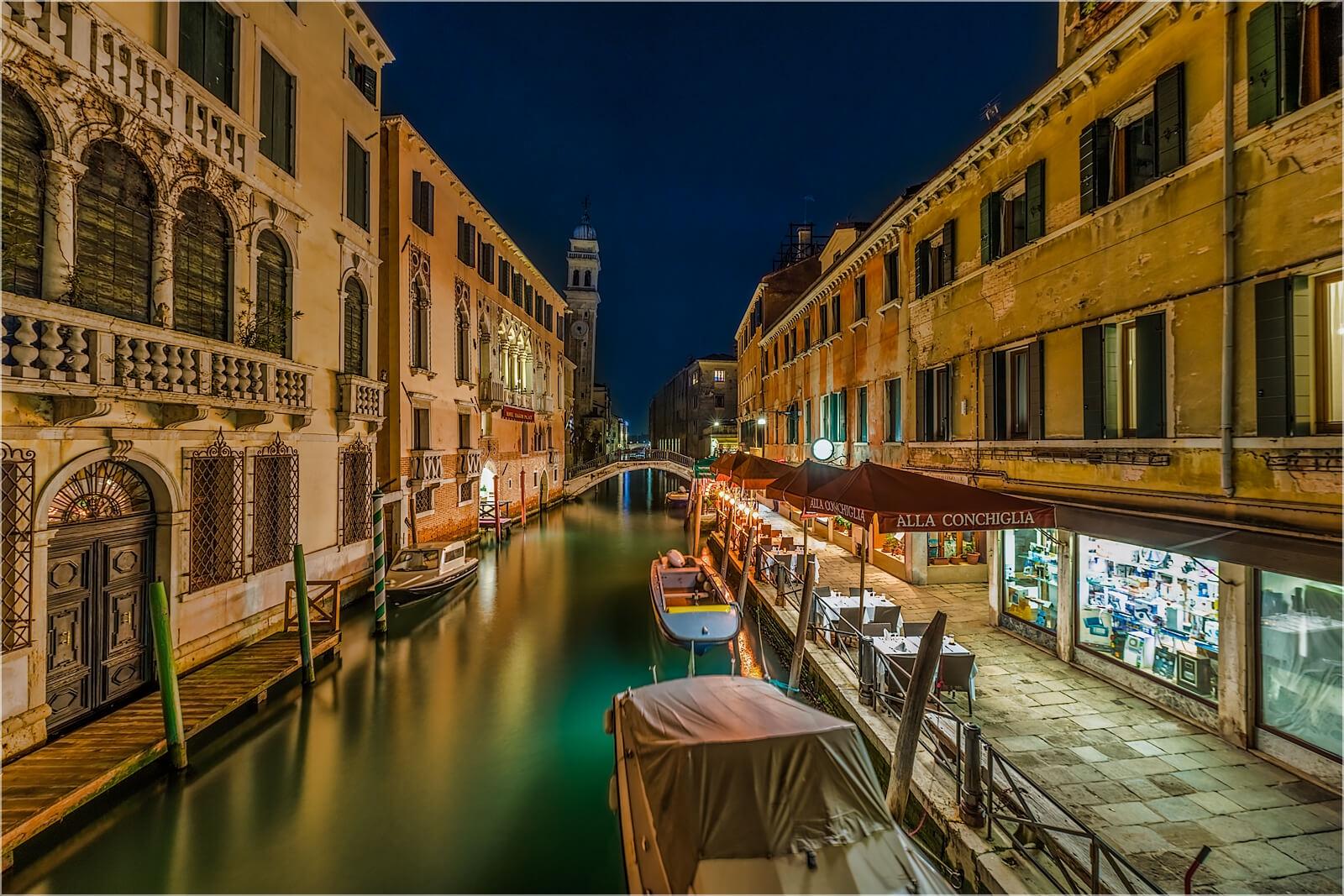 Wandbild Kleine Wasserstraße Venedig