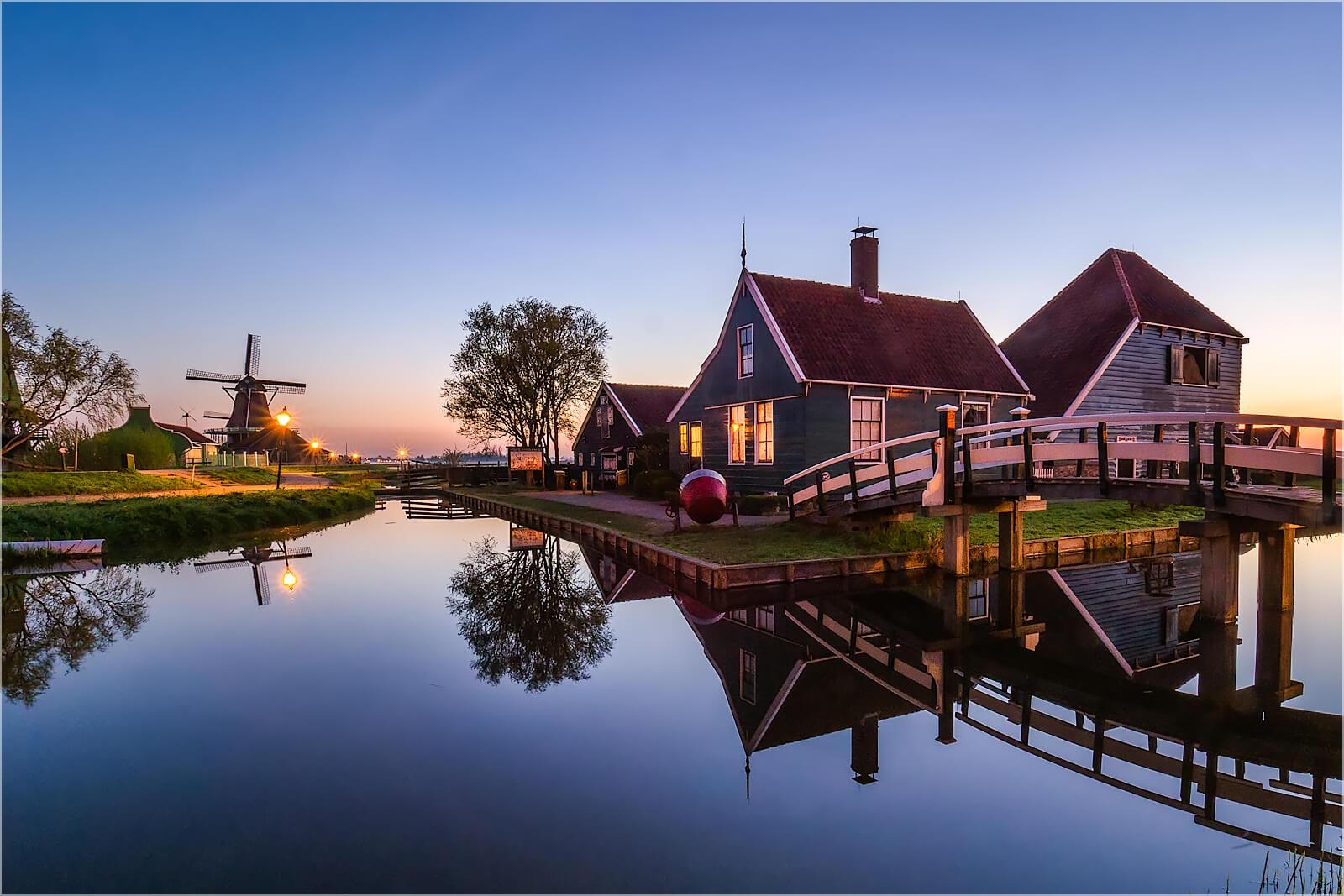 Wandbild Früh in Zaanse Schans Holland