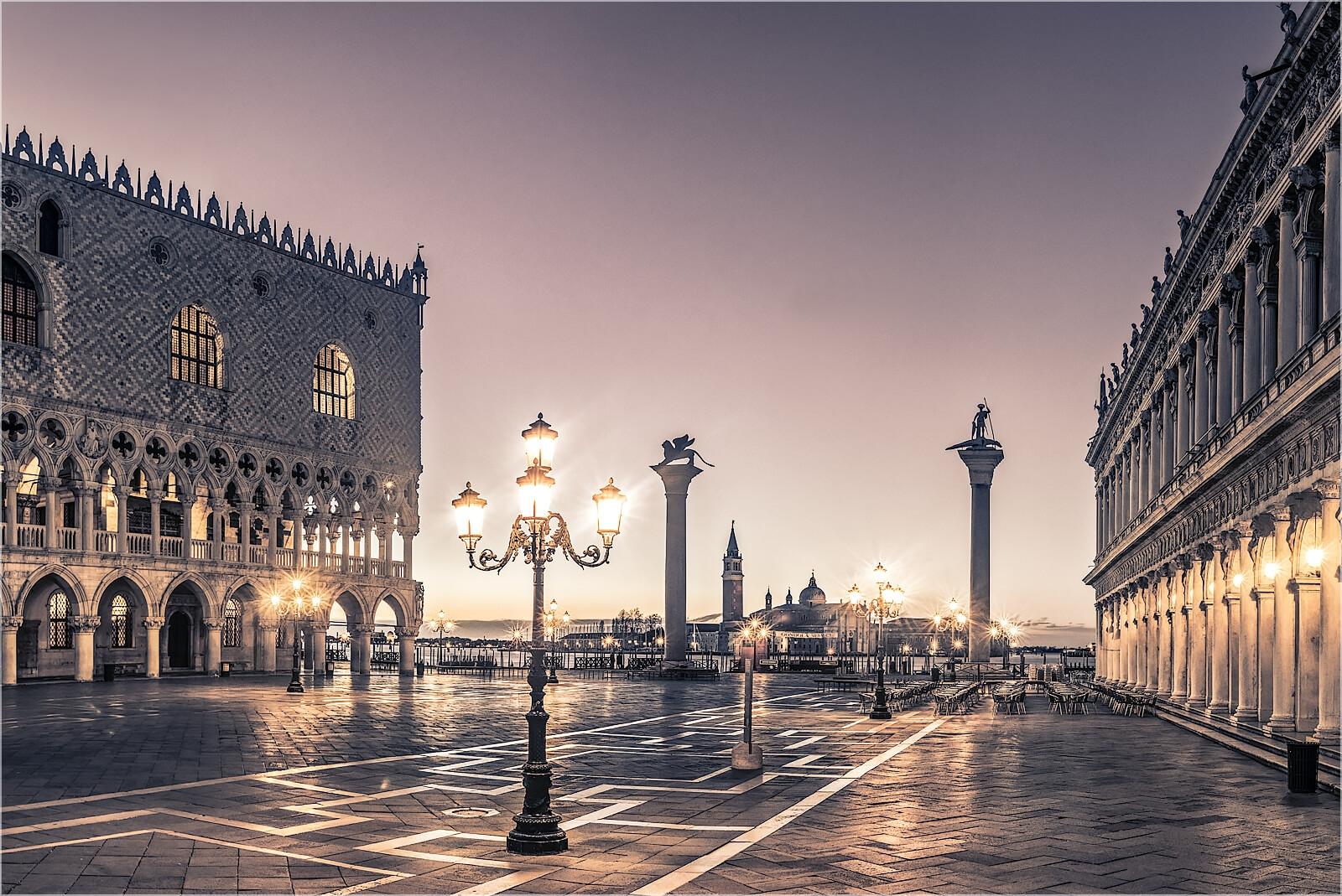 Wanddeko Morgens am Markusplatz Venedig