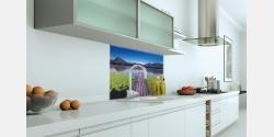 Wohnbeispiel beleuchtete oder unbeleuchtete Küchenrückwand auf Echtglas