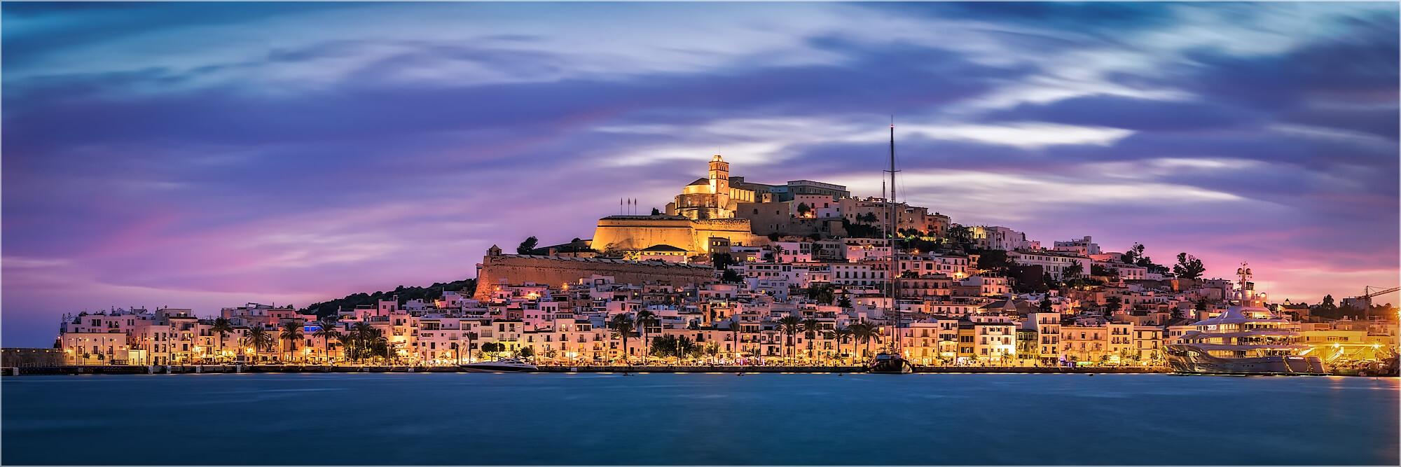 Panoramabild Spanien Ibiza Burg und Altstadt