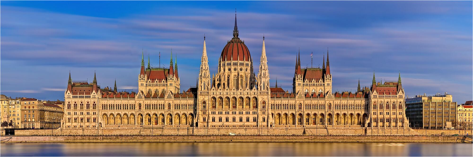 Panoramabild Parlament von Budapest Ungarn