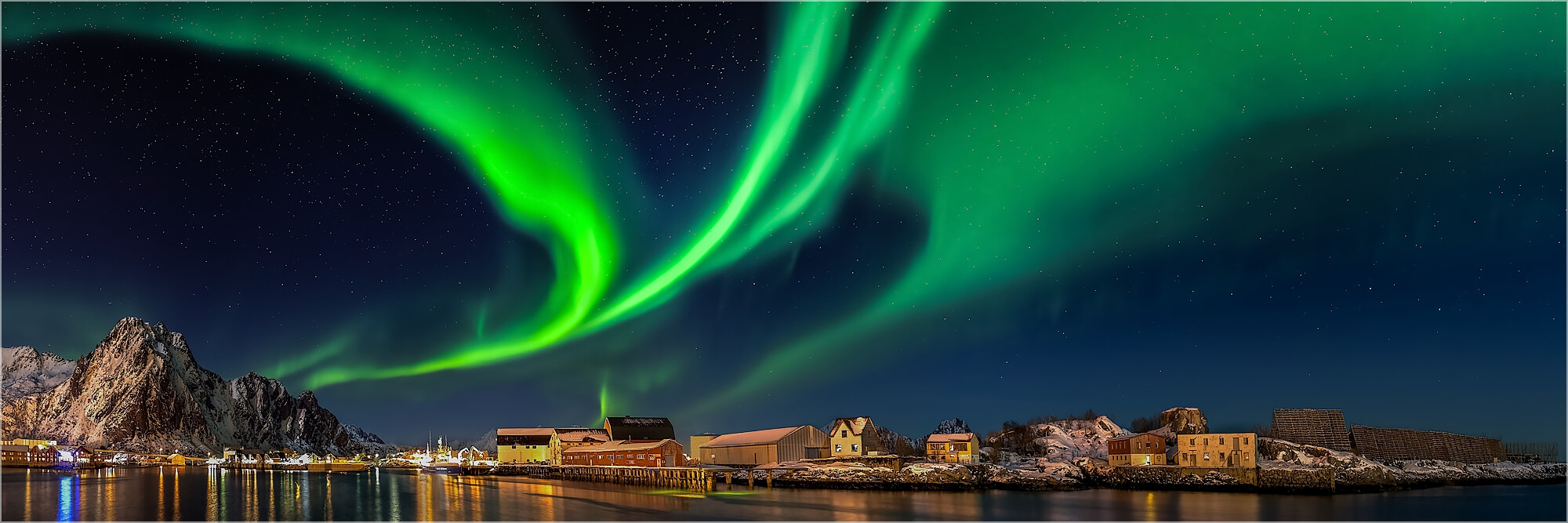 Panoramafoto Aurora Borealis über Svolvaer Norwegen