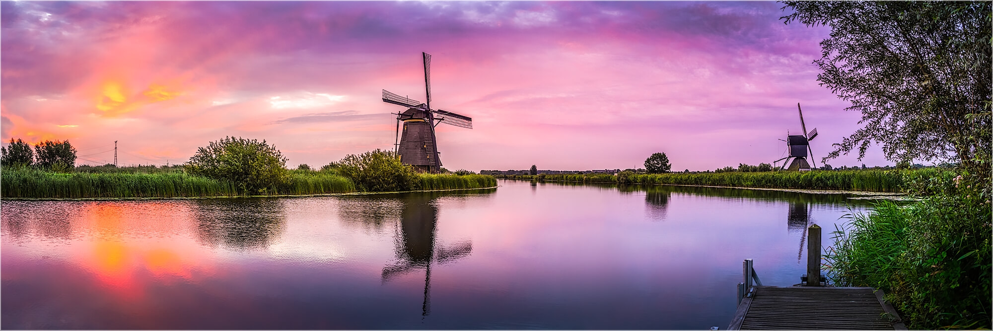 Panoramabild morgens in Kinderdijk Holland