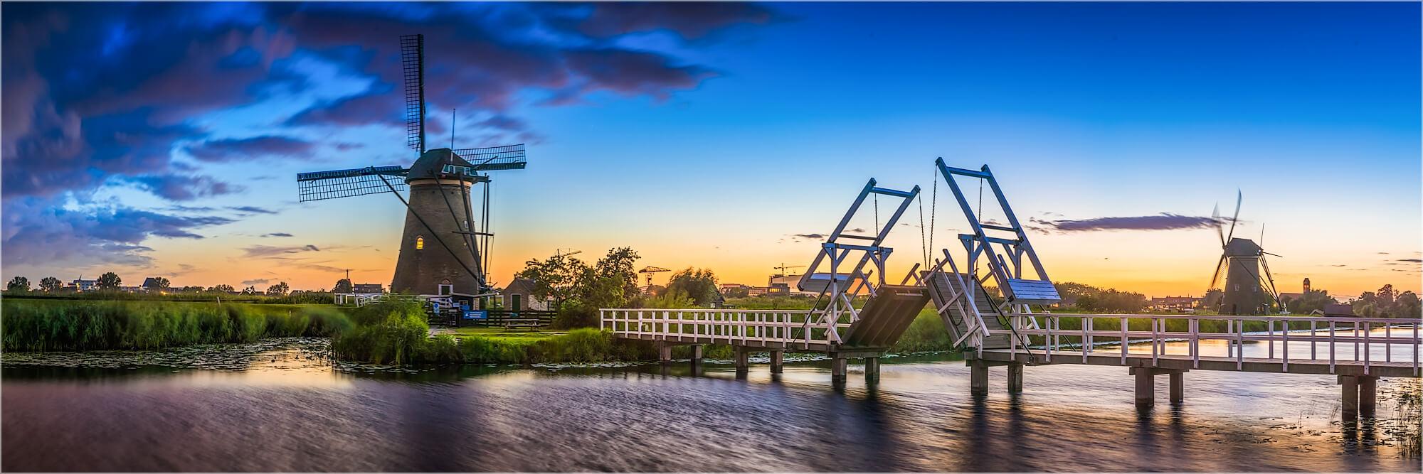 Panoramabild Klappbrücke in Kinderdijk Holland