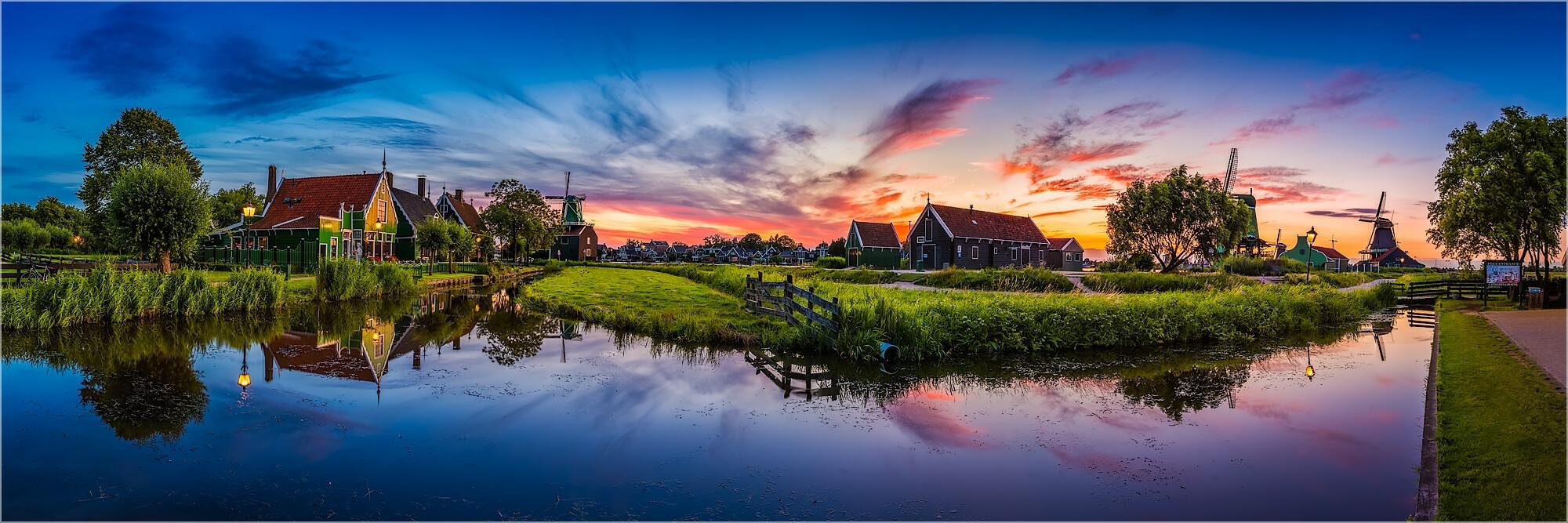 Panoramabild Abendstimmung in Zaanse Schans Holland