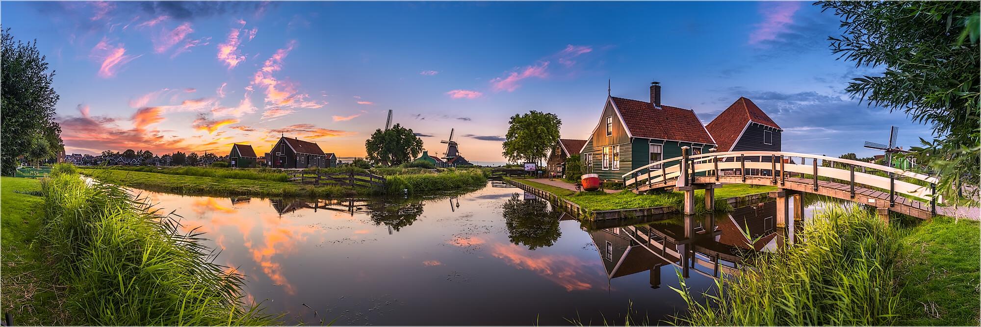 Panoramabild Sonnenuntergang in Zaanse Schans Holland