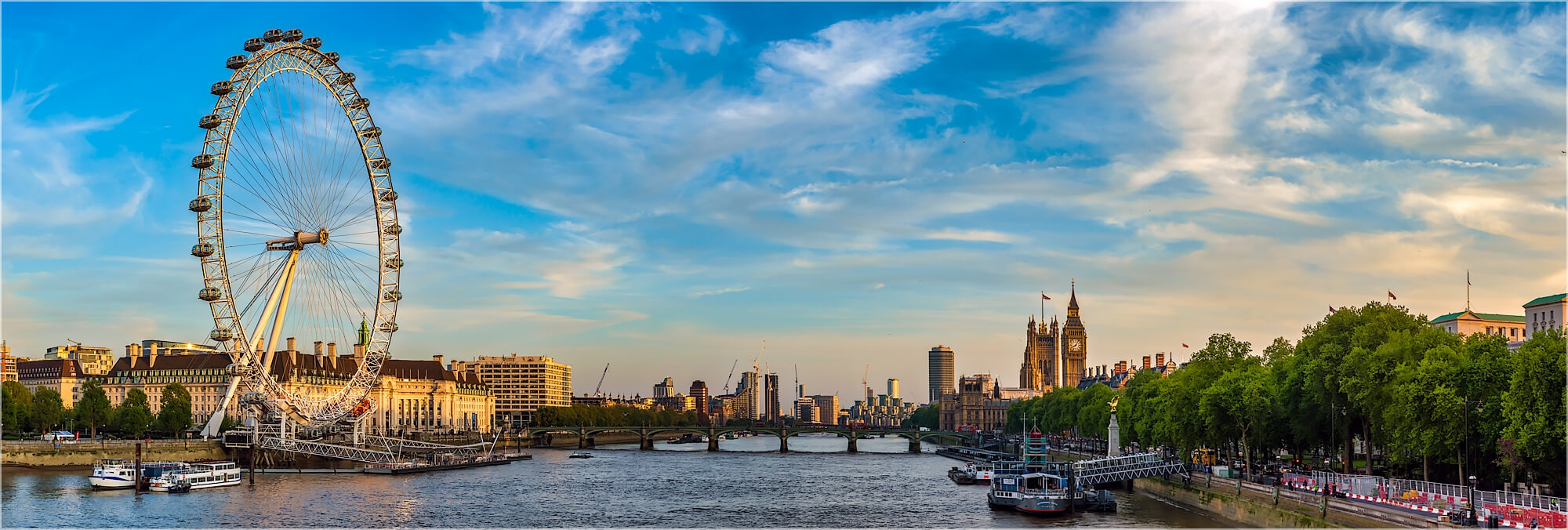 Panoramabild London Skyline Riesenrad und Parlament