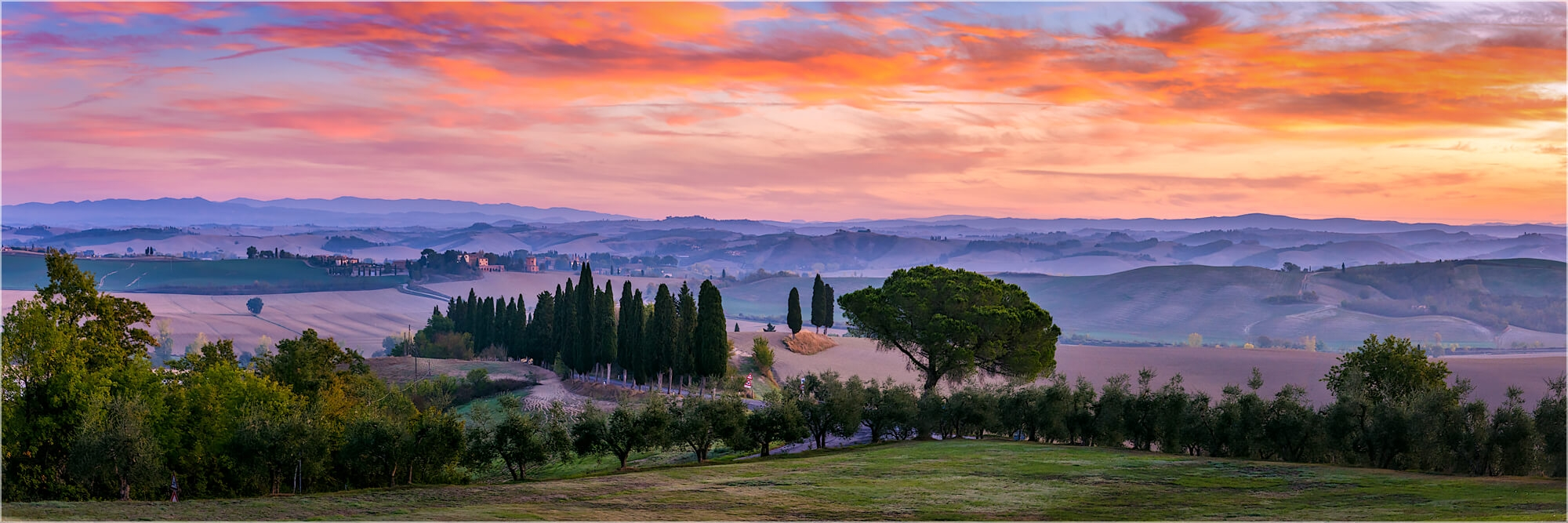 Panoramabild Morgenlicht in der Toskana Italien