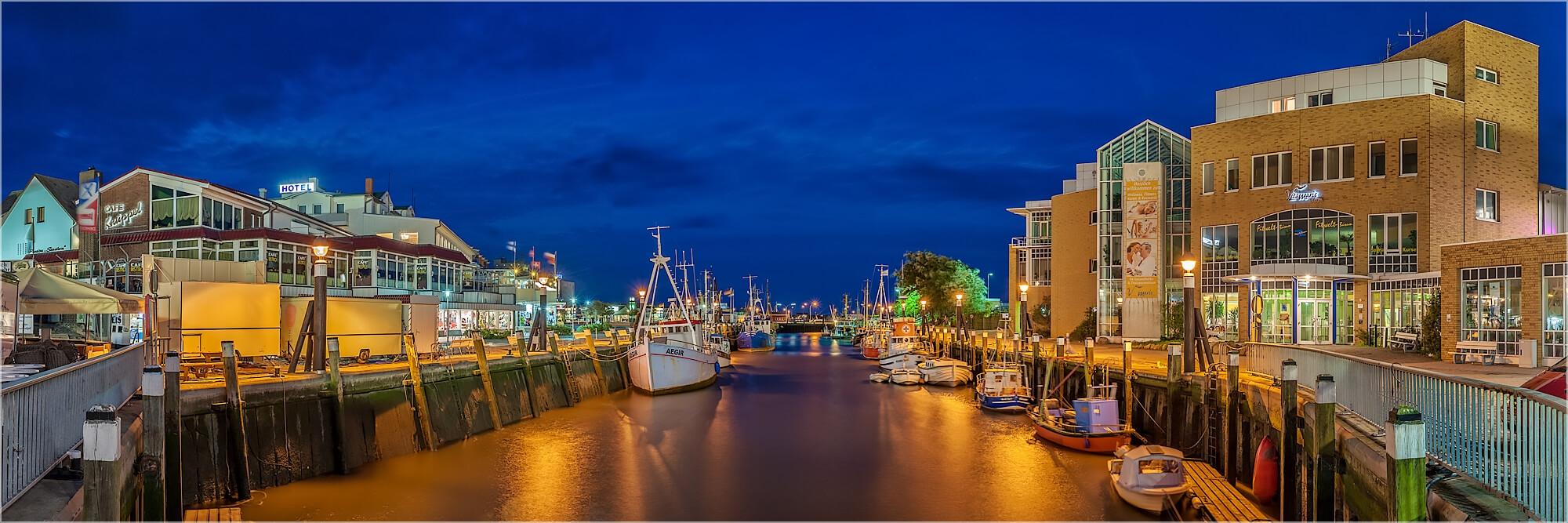 Panoramabild im Hafen von Büsum Nordsee