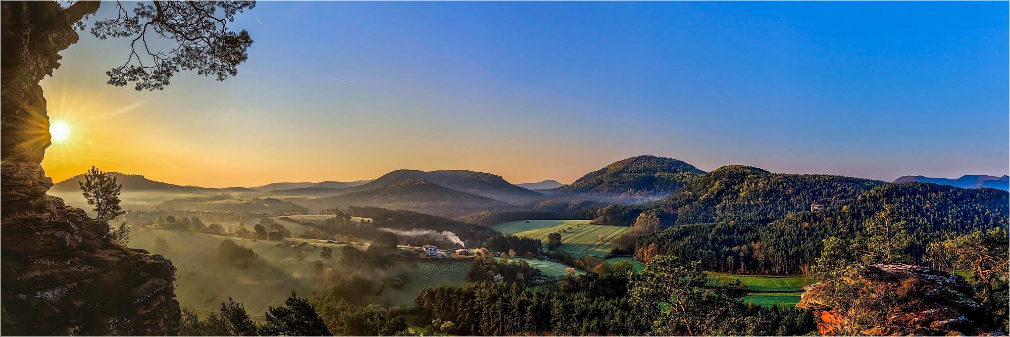 Panoramabild Busenberg am Dickenbergturm Pfalz