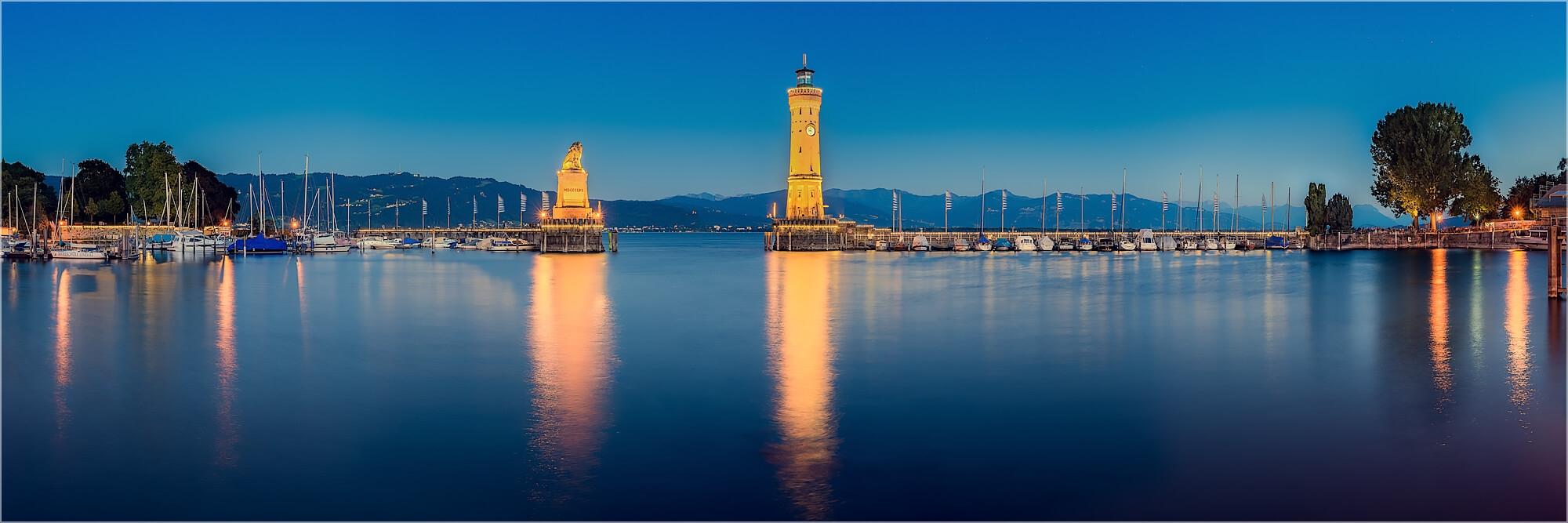 Panoramafoto Hafeneinfahrt Lindau Bodensee