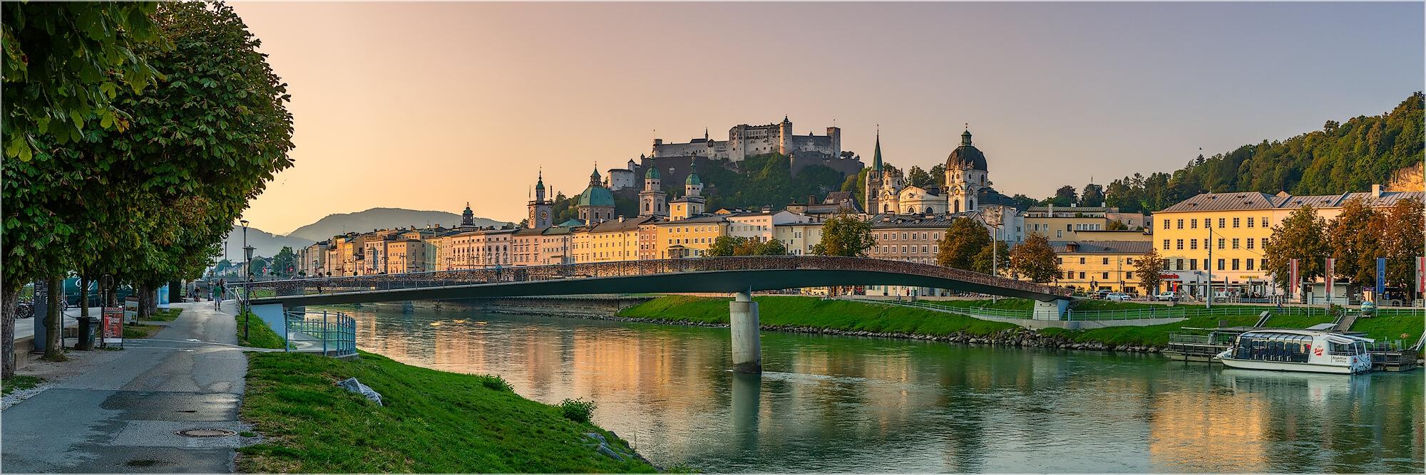 Panoramabild frühmorgens in Salzburg