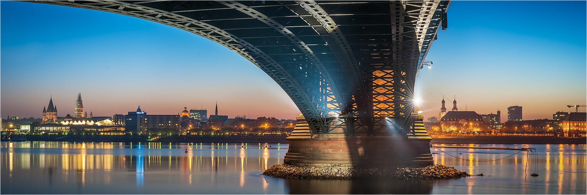 Panoramabild Skyline Mainz Theodor Heuss Brücke