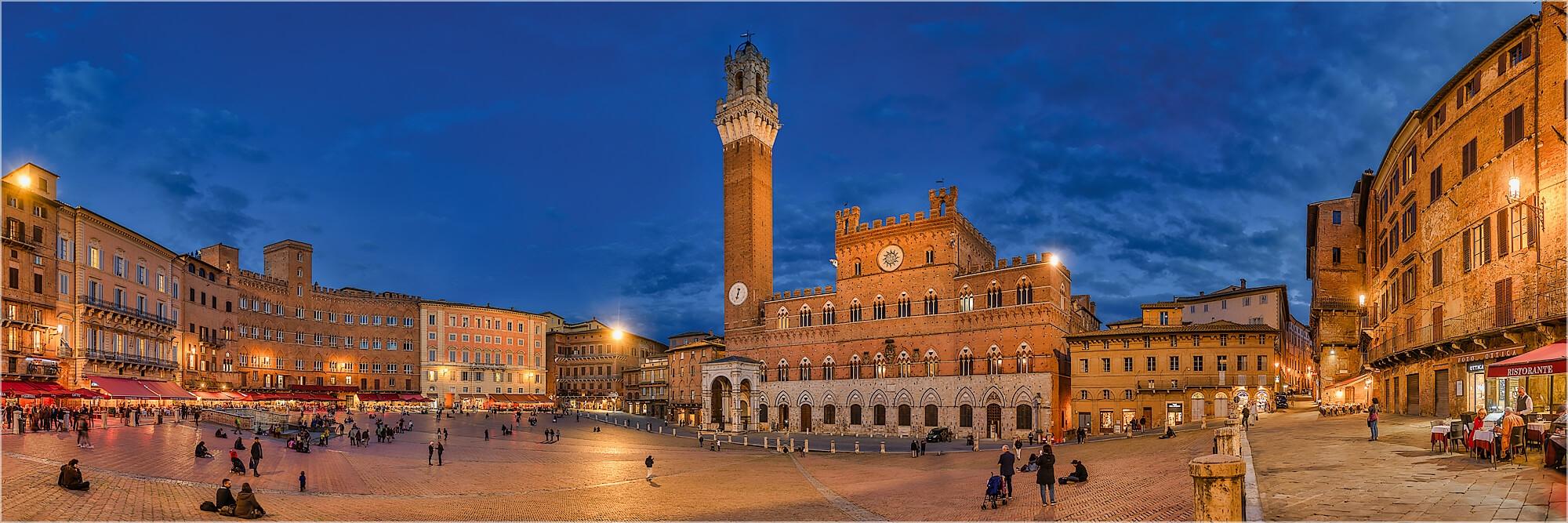 Panoramafoto Piazza del Campo Siena Toskana Italien