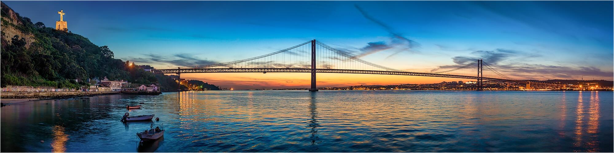 Panoramabild Brücke 25. Abril Lissabon Portugal