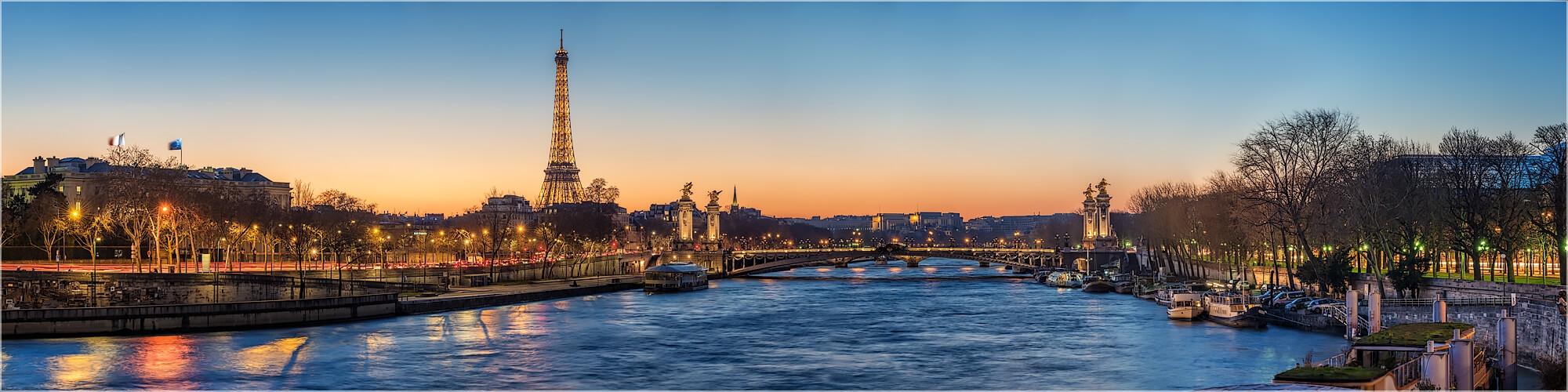 Panoramabild Abends an der Seine Paris Frankreich