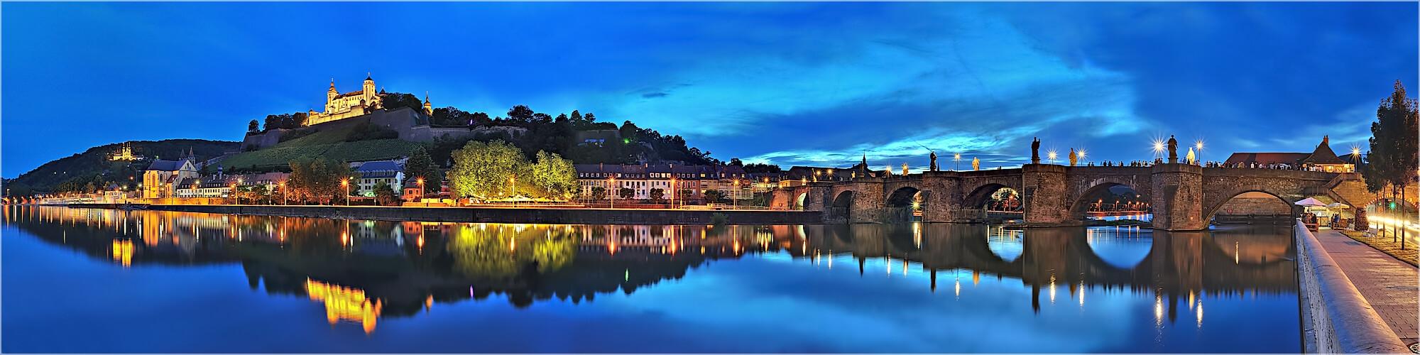 Panoramabild Würzburg alte Brücke und Marienfestung