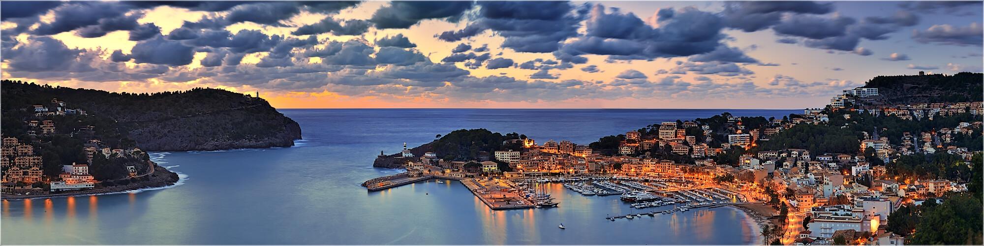 Panoramabild Mallorca Port Soller am Abend