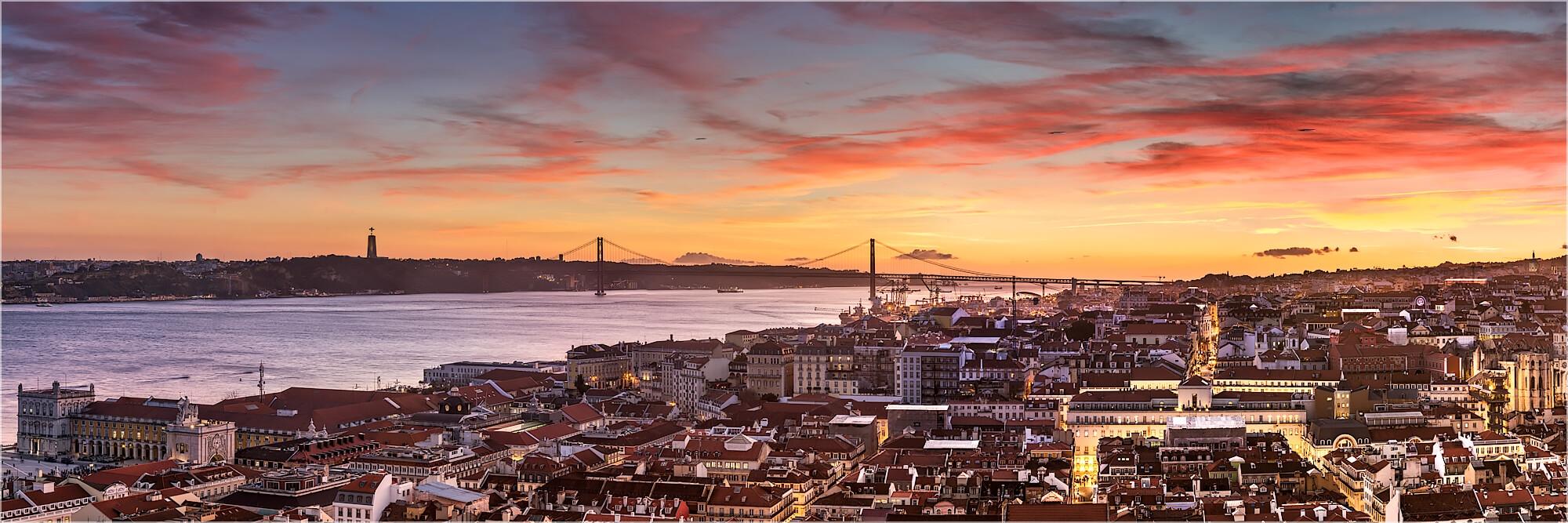 Panoramabild Lissabon im Sonnenuntergang