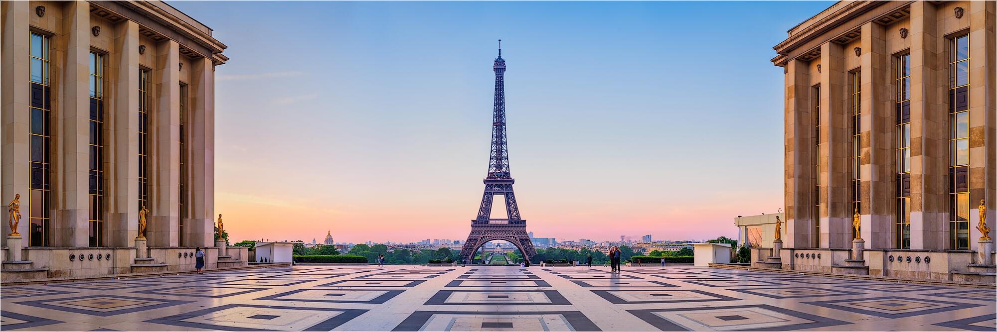 Panoramabild morgens am Trocadero Paris Frankreich