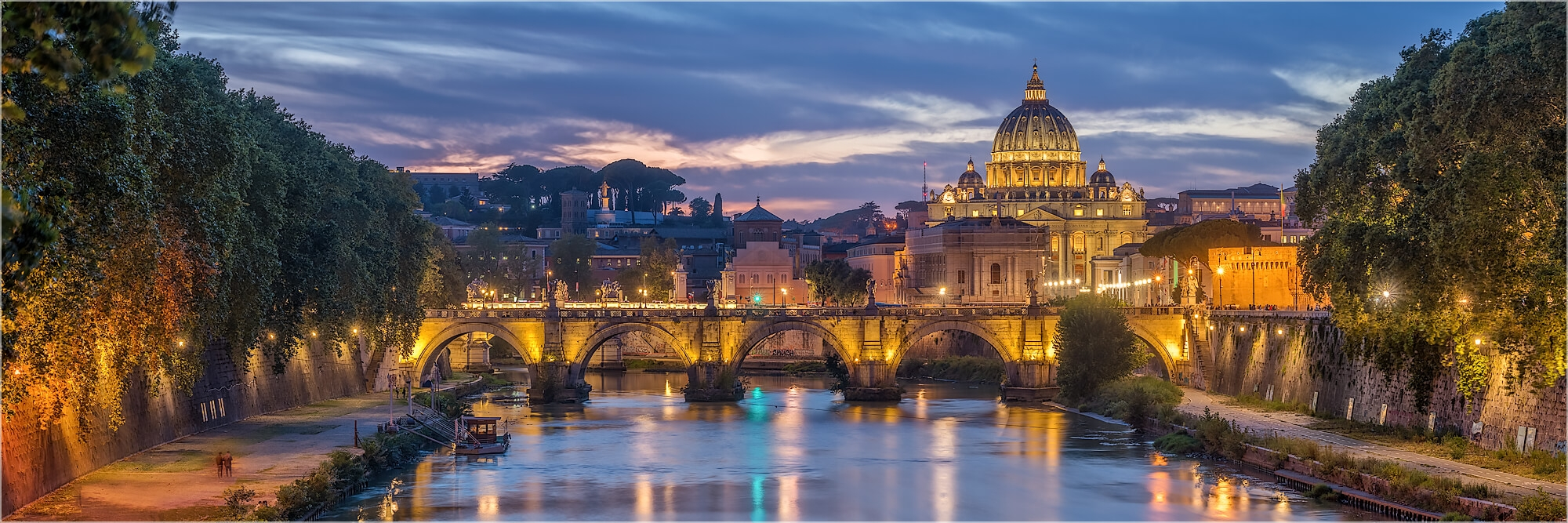 Panoramabild Sonnenuntergang Tiberbrücke Rom Italien