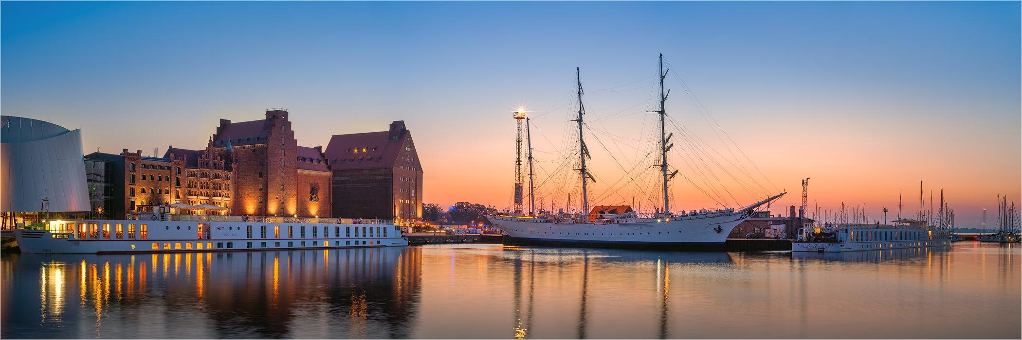 Panoramafoto Hafen Stralsund Gorch Fock